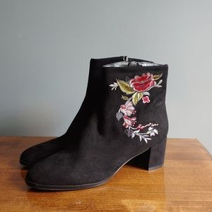 *NWOT* Impo Electra Embroidered Booties